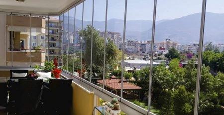 inchidere balcon cu sistem culisant si sticla securizată