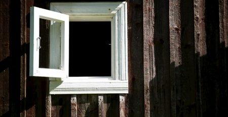 ferestre din lemn triplustratificat