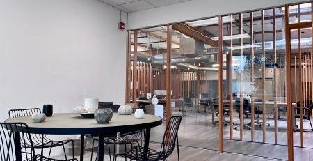utilitatea compartimentarilor de sticla in delimitarea spatiilor office